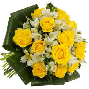 Μπουκέτο με κίτρινα τριαντάφυλλα και αστρομέρια