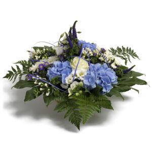 Σύνθεση λουλουδιών για γέννηση αγοριού