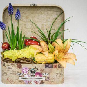 Βαλίτσα με διάφορα λουλούδια