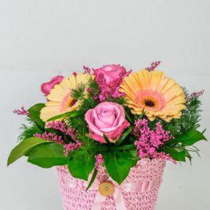 Σύνθεση με διάφορα λουλούδια
